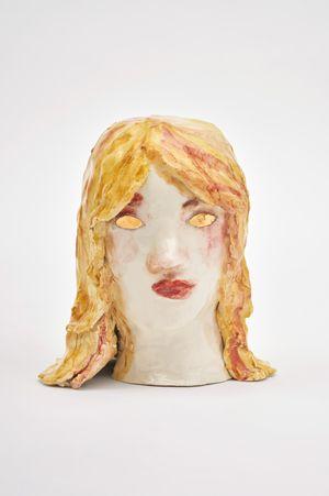 Smiling girl / Golden eyes by Klara Kristalova contemporary artwork