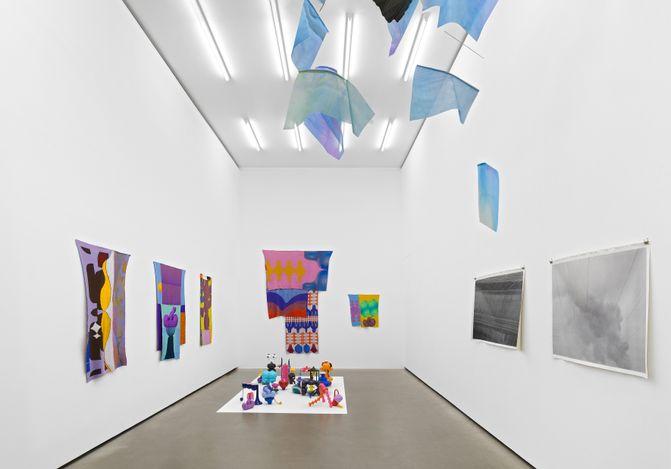 Exhibition view: Group Exhibition, ENCORE!. Galerie EIGEN + ART, Berlin (10 June–7 August 2021). Courtesy Galerie EIGEN + ART Leipzig/Berlin. Photo:Uwe Walter, Berlin.