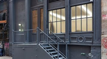 Andrew Kreps Gallery contemporary art gallery in 22 Cortlandt Alley, New York, USA