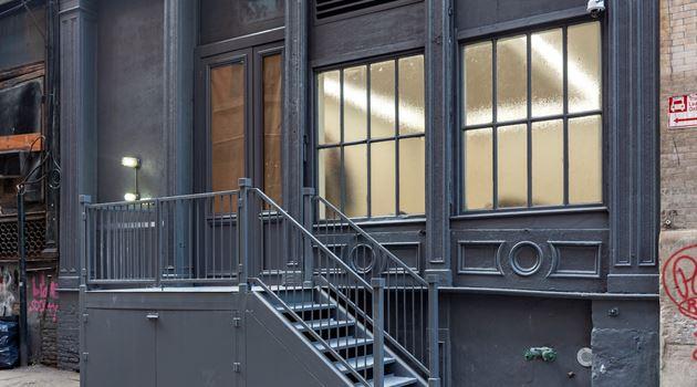 Andrew Kreps Gallery contemporary art gallery in 22 Cortlandt Alley, New York, USA