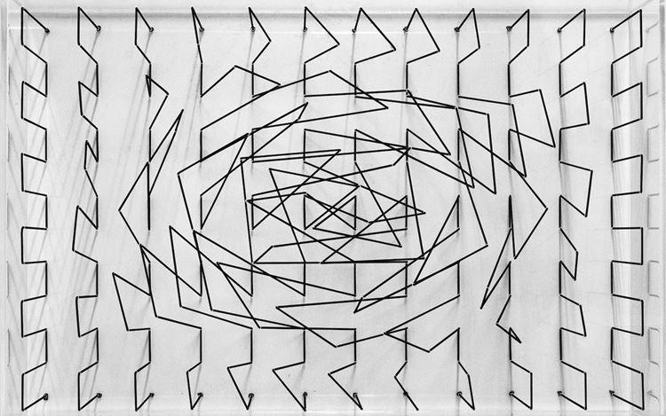 Emanuela Fiorelli, Basic box 8(2020) (detail). Transparent plexiglass box and elastic threads. 15 7/10 x 23 3/5 x 4 3/10 inches/40 x 60 x 11 cm. Courtesy galerie Denise René.