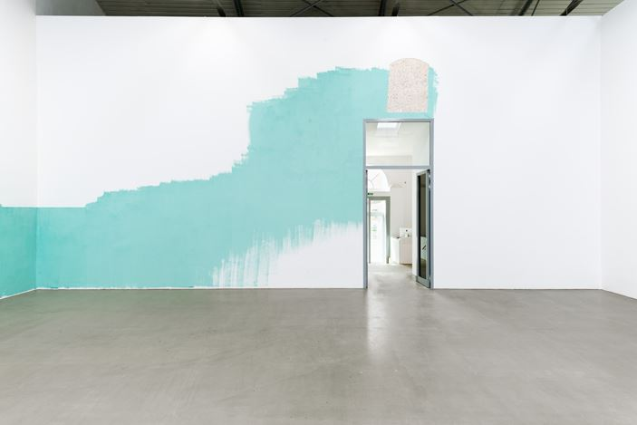 Exhibition view: Jorg Herold,Dschanna, GALERIE EIGEN + ART, Leipzig (2 June 2017–12 August 2017). Courtesy GALERIE EIGEN + ART.