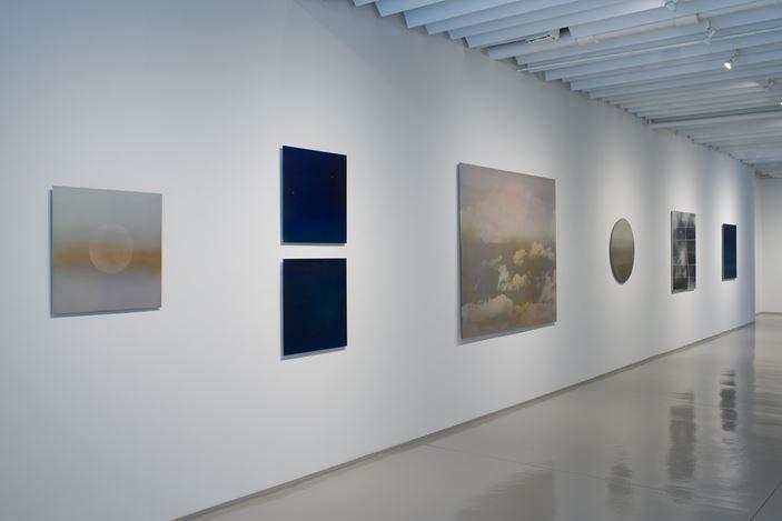 Exhibition view: Miya Ando, Calendar of Moons (Tsuki Koyomi), Sundaram Tagore Gallery, Chelsea, New York (24 September–31 October 2020). Courtesy Sundaram Tagore Gallery.