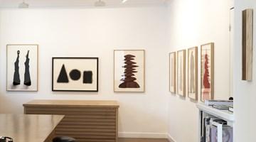 Contemporary art exhibition, David Nash, Columns at Galerie Lelong & Co. Paris, 13 Rue de Téhéran, Paris