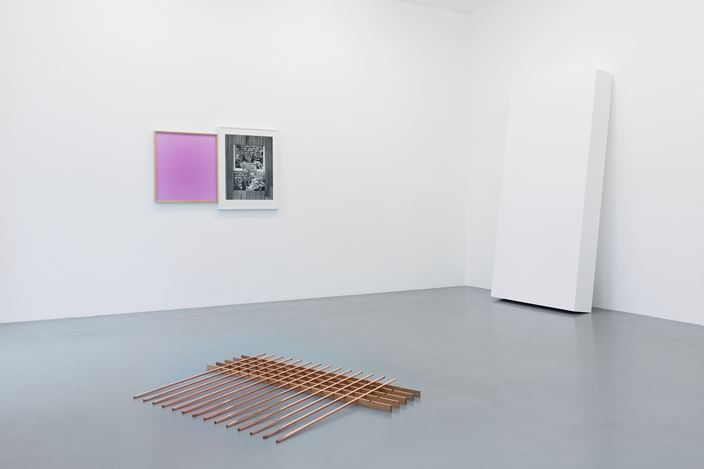 Exhibition view: Leslie Hewitt, Perrotin, Paris (6–22 September 2018). © Claire Dorn. Courtesy the artist and Perrotin.
