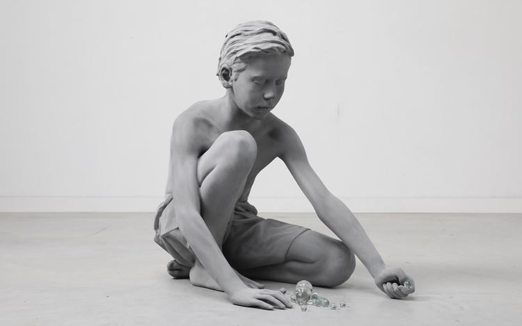 Hans Op de Beeck, Timo (Marbles) (2018). Polyester, glass, coating. Edition of 5 + 2AP. 65 x 42 x 67 cm. Courtesy Galerie Krinzinger.