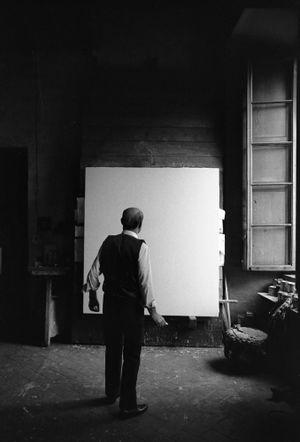 Lucio Fontana, Waiting, Milan (2) by Ugo Mulas contemporary artwork
