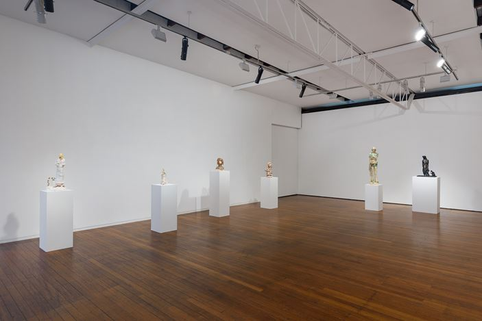 installation view, Linda Marrinon: Scene at Edfu and other sculptures, Roslyn Oxley9 Gallery, Sydney (30 October – 28 November 2020). photo: Luis Power