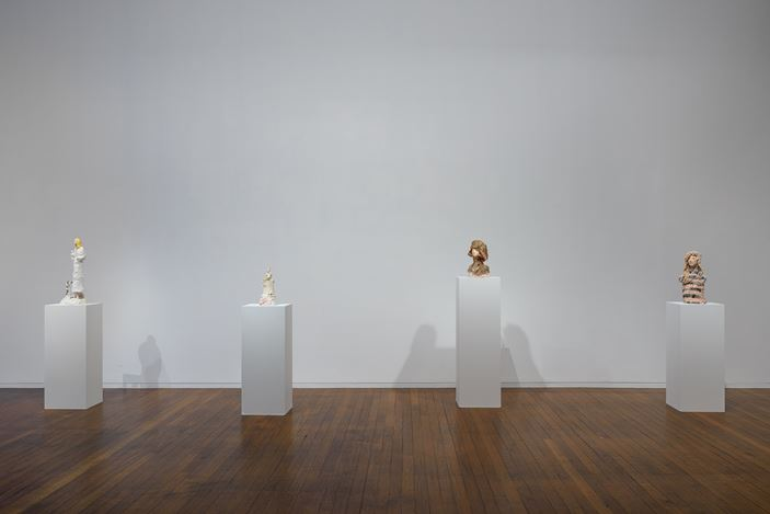 Exhibition view: Linda Marrinon,Scene at Edfu and other sculptures, Roslyn Oxley9 Gallery, Sydney (30 October–28 November 2020). Courtesy Roslyn Oxley9 Gallery. Photo: Luis Power.