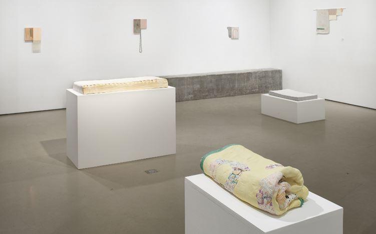 Exhibition view: Ashley Lyon and Jane Bustin, Modern Domestics, Jane Lombard Gallery, New York (2 November-21 December 2017). Courtesy of Jane Lombard Gallery, New York.