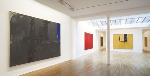 Exhibition view: Robert Motherwell, Open Series, Templon, 30 rue Beaubourg, Paris (17 May–21 July 2018). Courtesy Templon.