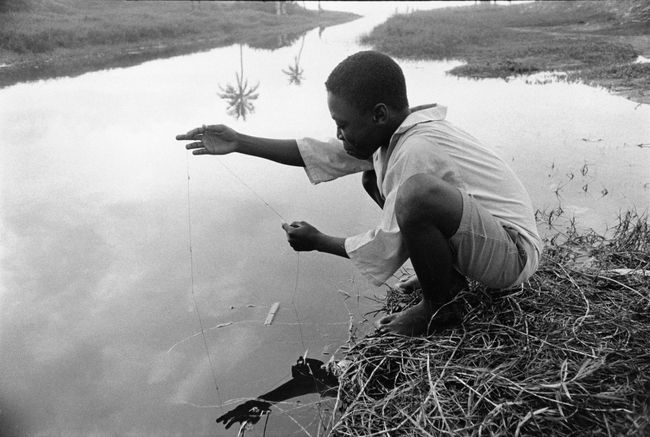 Basin fishing, Accra, Ghana by Chester Higgins contemporary artwork