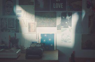 David Austen in his studio, London (2021). Photo: Ben Stockley.
