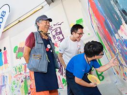 Artist Goh Beng Kwan, special children team up for SG50 mural
