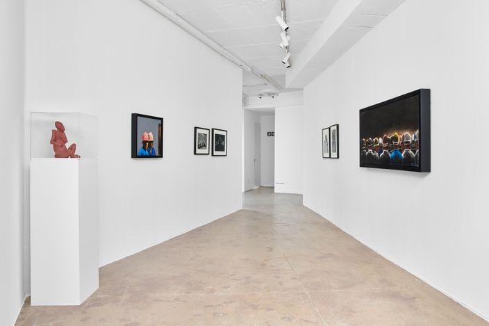 Exhibition view: Group Exhibition, Lasting Influences, Goodman Gallery, Johannesburg (10 June–24 July 2021). Courtesy Goodman Gallery. Photo:Anthea Pokroy.