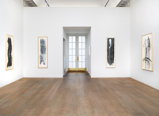 Exhibition view: Pat Steir, Waterfall Paintings on Paper, Lévy Gorvy, New York (17 August–3 October 2020). Courtesy Lévy Gorvy.