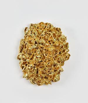 Vulva Gold by Johan Creten contemporary artwork