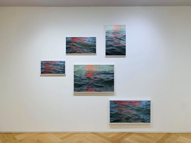 Exhibition view: Group Exhibition, Back to London. A journey through image, time, word and space, Mazzoleni, London (26 June–19 September 2020). Courtesy Mazzoleni, London-Torino.