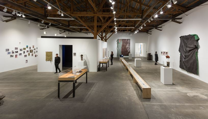 Exhibition view: David Hammonds, Hauser & Wirth, Los Angeles (18 May—11 August 2019). © David Hammons. Courtesy the artist and Hauser & Wirth. Photo: Fredrik Nilsen Studio.