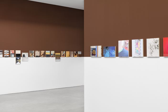 Exhibition view: Juan Usle, Línea Dolca 2008 – 2018, Irrefrenable, Galerie Thomas Schulte, Berlin (16 January–27 February 2021). Courtesy Galerie Thomas Schulte. Photo: Stefan Haehnel.