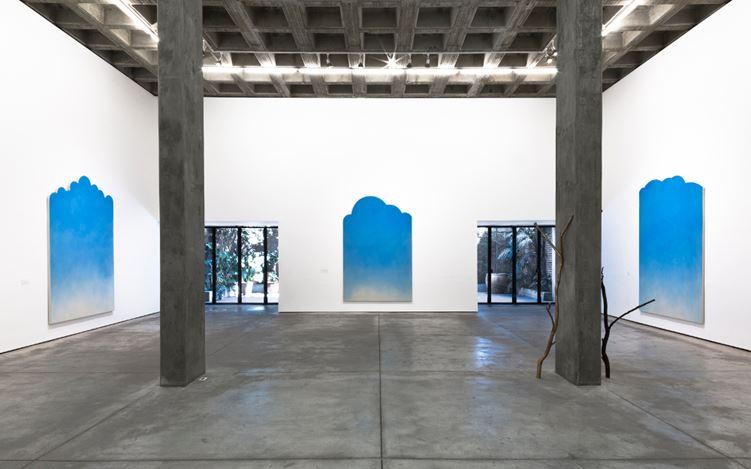 Exhibition view: [The Queen falls., Group Exhibition, Galeria OMR, Mexico City (7 Feb–25 Mar 2017). Courtesy Galeria OMR, Mexico City.