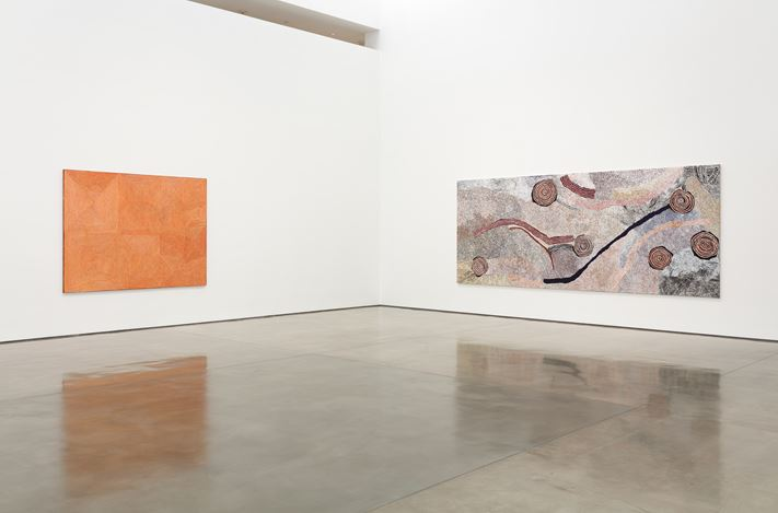 Exhibition view: Group Exhibition,Desert Painters of Australia Part II, Gagosian, Beverly Hills (26 July–6 September 2019).Artwork, left to right: © George Tjungurrayi/Copyright Agency. Licensed by Artists Rights Society (ARS), New York, 2019; © Bill Whiskey Tjapaltjarri. Photo: Fredrik Nilsen.