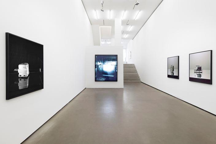 Exhbition view: Ricarda Roggan, Weimar, Noris, Ernemann, Galerie EIGEN + ART Berlin (6 June–27 July 2019). Courtesy Galerie EIGEN + ART, Berlin. Photo: Uwe Walter, Berlin.