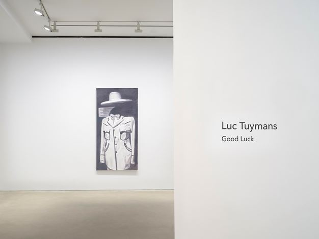 Exhibition view: Luc Tuymans,Good Luck, David Zwirner, Hong Kong (27 October–19 December 2020). © LucTuymans. Courtesy the artist and David Zwirner.