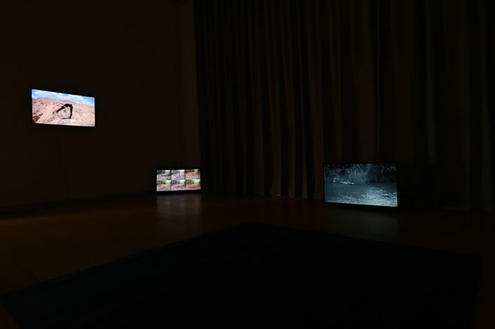 Exhibition view: Tong Wenmin, Xu Linyu and Yu Guo, Waiting for the Blue,A Thousand Plateaus Art Space, Chengdu (12 August–16 October 2018). Courtesy A Thousand Plateaus Art Space.