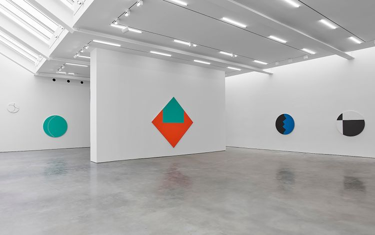 Exhibition view: Leon Polk Smith, Prairie Moon, 504 West 24th Street, New York (9 September–16 October 2021).© Leon Polk Smith Foundation. Courtesy Lisson Gallery
