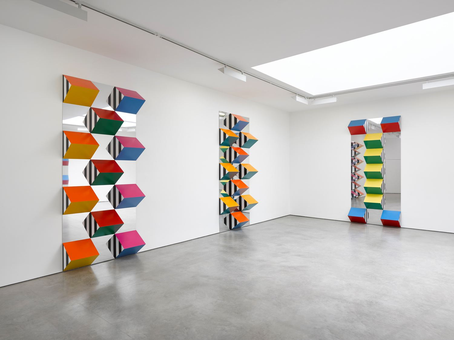 Daniel Buren Pile Up High Reliefs Situated Works At Lisson Gallery Lisson Street London United Kingdom On 22 Sep 11 Nov 2017 Ocula