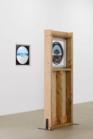 Exhibition view: Oscar Tuazon, L'École de l'eau, Galerie Chantal Crousel, Paris (19 June–24 July 2021). Courtesy the artist and Galerie Chantal Crousel, Paris. Photo: Aurélien Mole.