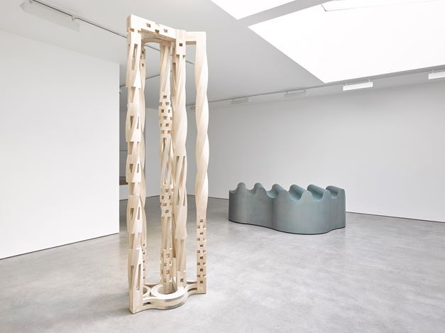 Exhibition view: Richard Deacon, Deep State, Lisson Gallery, Lisson Street, London (20 November 2019–29 February 2020). © Richard Deacon. Courtesy Lisson Gallery.