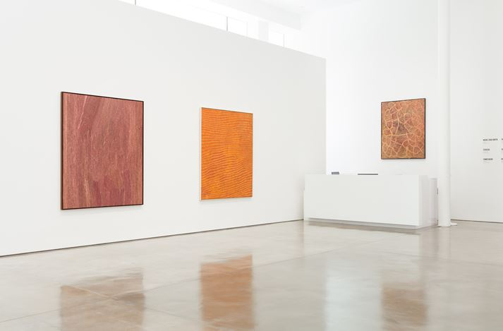 Exhibition view: Group Exhibition,Desert Painters of Australia Part II, Gagosian, Beverly Hills (26 July–6 September 2019).Artwork, left to right: © Willy Tjungurrayi/Copyright Agency. Licensed by Artists Rights Society (ARS), New York, 2019; © Yukultji Napangati/Copyright Agency. Licensed by Artists Rights Society (ARS), New York, 2019; © Emily Kame Kngwarreye/Copyright Agency. Licensed by Artists Rights Society (ARS), New York, 2019. Photo: Fredrik Nilsen.