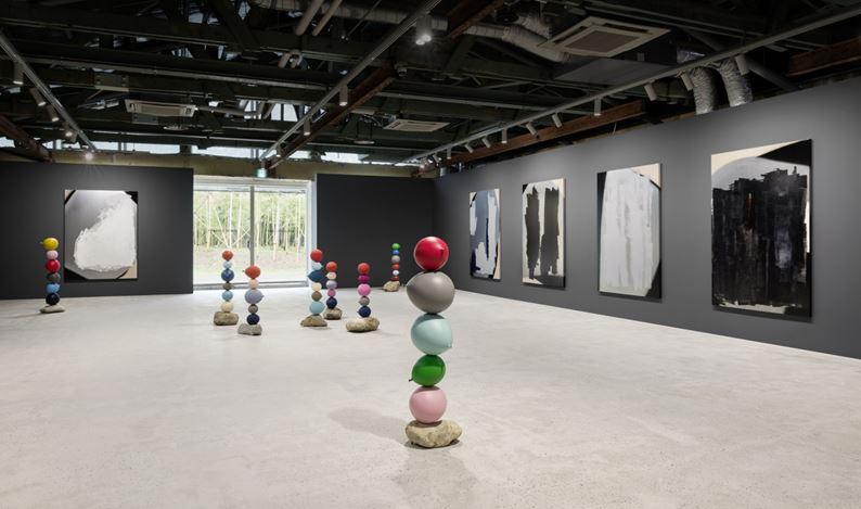 Exhibition view: Gimhongsok,Short People (26 June–16 August 2020), Kukje Gallery, Busan. Courtesy Kukje Gallery.