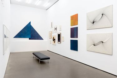 Exhibition view: Karl-Heinz Adler, Metrics, Galerie EIGEN + ART, Berlin (19 August–30 October 2021). Courtesy Galerie EIGEN + ART. Photo: Uwe Walter, Berlin.