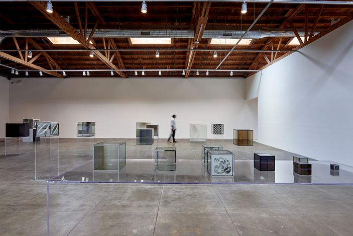 Exhibition view: Larry  Bell, Complete Cubes, Hauser  &  Wirth, Los  Angeles (23 June–23 September 2018). ©  Larry  Bell. Courtesy  the  artist  and  Hauser  &  Wirth. Photo:  Mario  de  Lopez.