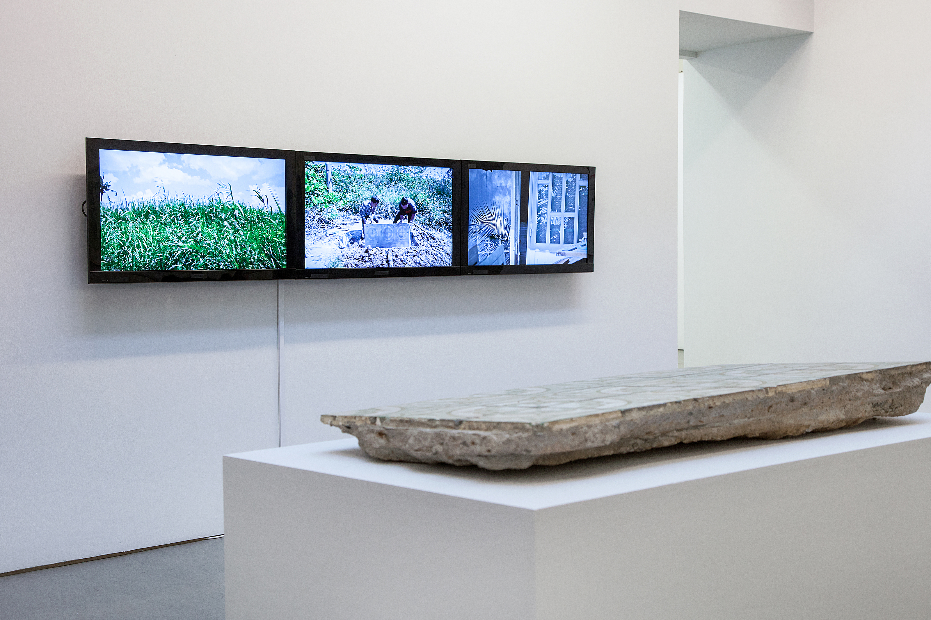 Tifanny Chung, An archeology project for future remembrance, 2011-present. Four-channel video installation, 42 min 12 sec. Exhibition view at EVA International – Ireland's Biennial 2016. Photo: Miriam O' Connor. Courtesy the artist, Galerie Quynh and EVA International.