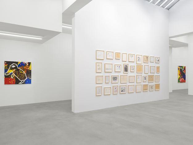 Exhibition view: Joe Bradley,Sub Ek, Galerie Eva Presenhuber, Waldmannstrasse, Zurich, (12 September–31 October 2020). © Joe Bradley. Courtesy the artist and Galerie Eva Presenhuber, Zurich / New York. Photo: Stefan Altenburger Photography, Zurich.