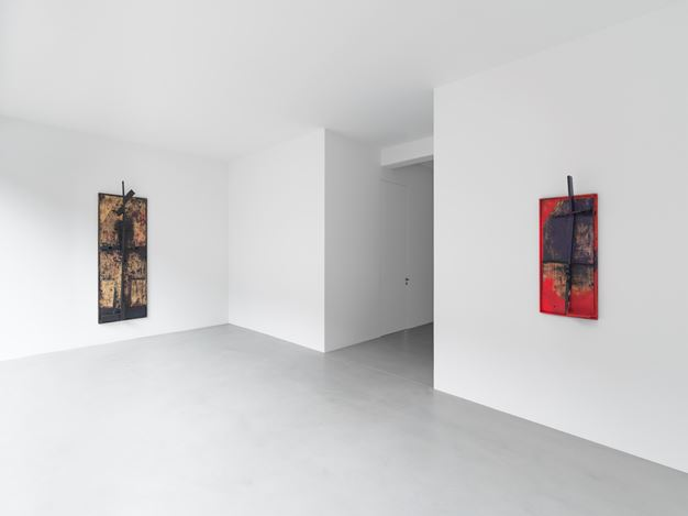 Exhibition view: Sterling Ruby, A RELIEF LASHED + A STILL POSE, Xavier Hufkens, 44 rue Van Eyck, Van Eyckstraat (18 June–1 August 2020). Courtesy the artist and Xavier Hufkens, Brussels. Photo: Allard Bovenberg.
