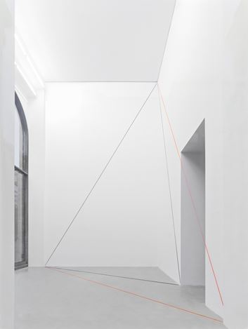 Exhibition view: Fred Sandback, Galerie Thomas Schulte, Berlin (25 July–29 August 2020). Courtesy Galerie Thomas Schulte.