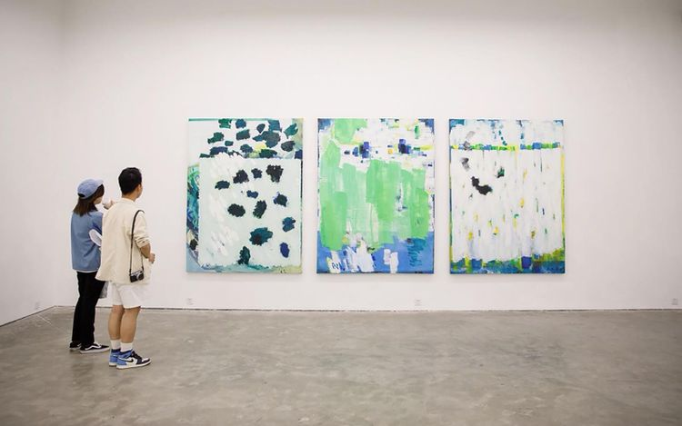 Exhibition view: Wang Jun, The Motion of Light,A Thousand Plateaus Art Space, Chengdu (13 March–20 April 2021). Courtesy A Thousand Plateaus Art Space.
