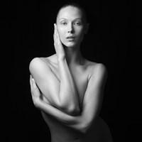 Woman - Moldavia 2 by Jean-Baptiste Huynh contemporary artwork photography