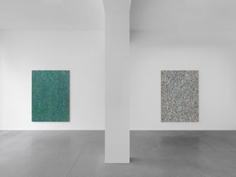 Exhibition view: Jonathan Horowitz, Leftover Paint Abstractions, Xavier Hufkens (8 March–14 April 2018).Courtesy the Artist and Xavier Hufkens. Photo: Allard Bovenberg, Amsterdam.