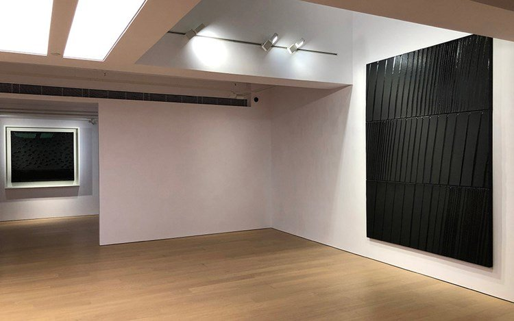 Exhibition view: Pierre Soulages, Beyond Black, Alisan Fine Arts, Central (20 May—29 June 2019). Courtesy Alisan Fine Arts.