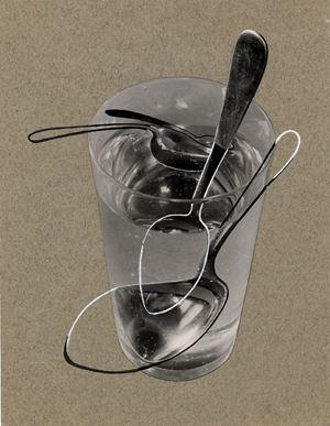 Ohne Titel ( Wasserglas mit 4 Löffeln ) by Elfriede Stegemeyer contemporary artwork
