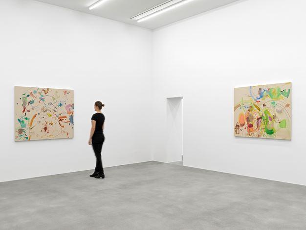Exhibition view: Sue Williams, Galerie Eva Presenhuber, Waldmannstrasse, Zurich (5 June–25 July 2020). © Sue Williams. Courtesy the artist and Galerie Eva Presenhuber, Zurich / New York. Photo: Stefan Altenburger Photography, Zurich.