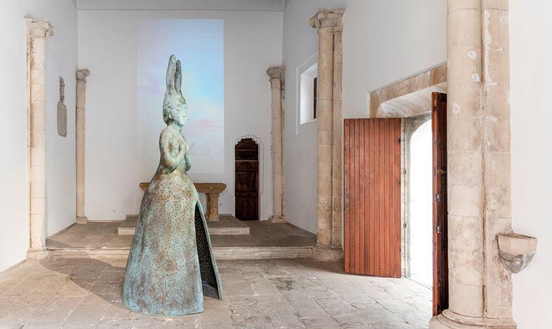 Exhibition view: Leiko Ikemura,Usagi Kannon, KEWENIG, Palma (16 September–14 November 2020). Courtesy KEWENIG.