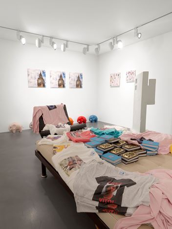 Exhibition view: Group Exhibition, Family Guy, Organised by Kenny Schahcter, Simon Lee Gallery, London (3 October–20 October 2018). Courtesy the artist and Simon Lee Gallery.