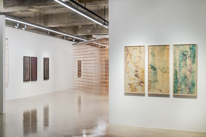 Exhibition view: Jinnie Seo,Her Sides of Us, Gallery Baton, Seoul (27 August–29 September 2020). Courtesy of the Artist and Gallery Baton. Photo: Jang Mi.